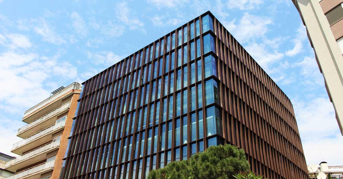Rehabilitació de façana i millora de la seva eficiència.