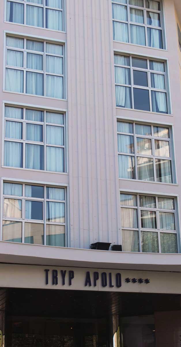 Cerramientos Para La Reforma Del Hotel Tryp Apolo De Barcelona.