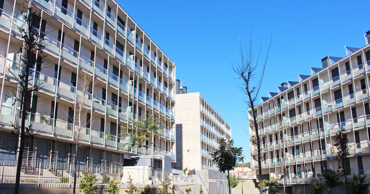 Tancaments I Proteccions Solars En Promoció Residencial A Gavà