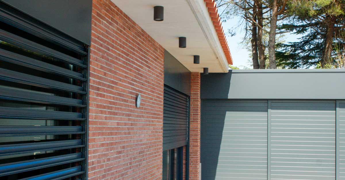 Trabajos De Carpintería De Aluminio Y Vidrio En Vivienda Residencial En Begues.
