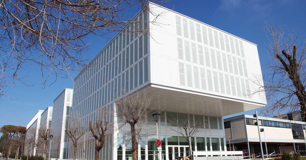 Mur-rideau pour la nouvelle Faculté de Droit de l'Université de Barcelone