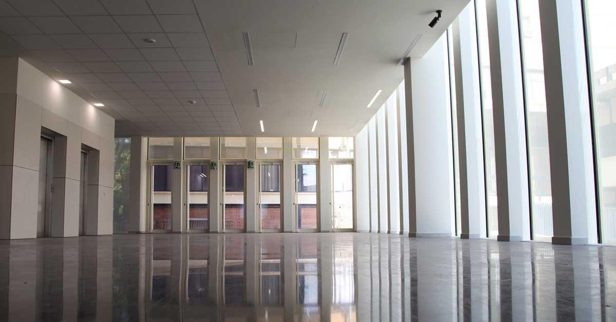 Mur Cortina Dela Nova Facultatde Dret De La Universitat De Barcelona