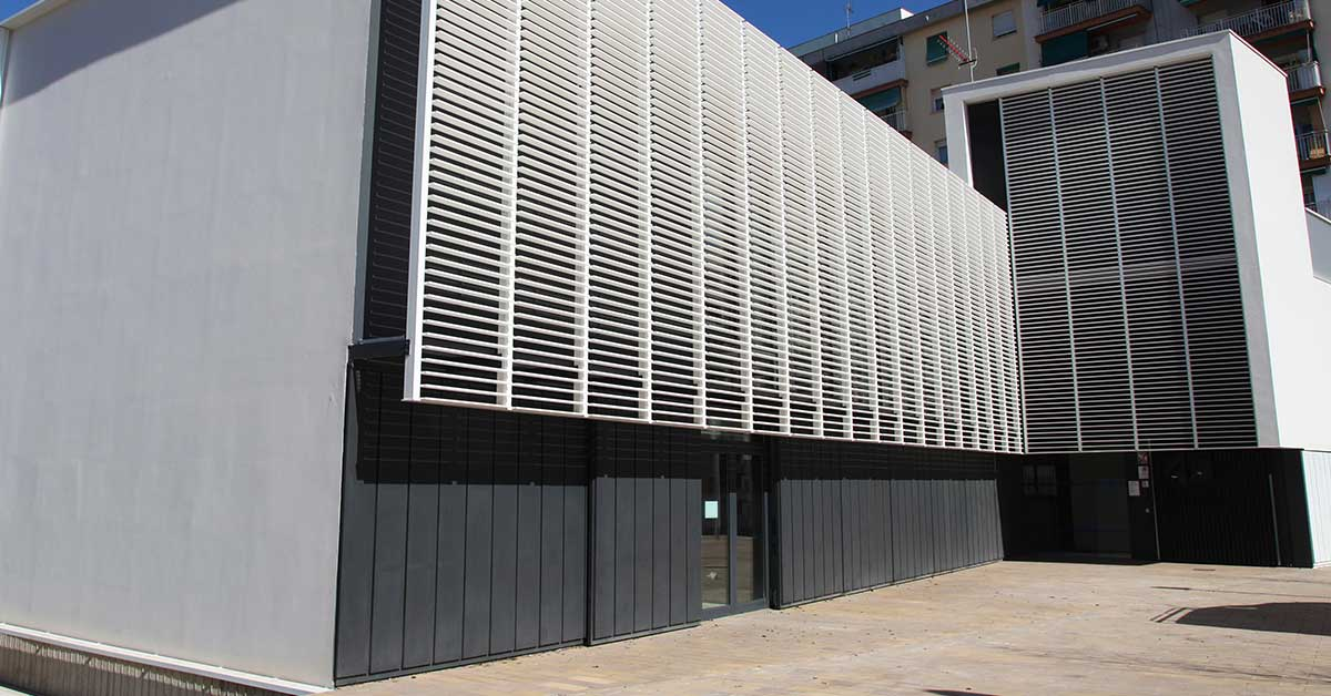 Enclosures at the new outpatient clinic at Sant Boi de Llobregat