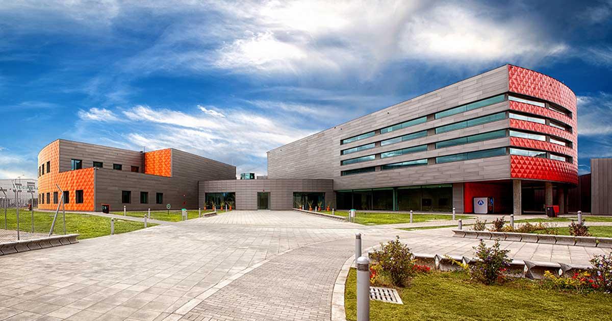 Façanes I Tancaments A L'ampliació De L'Aeroport InternacionalEl Dorado