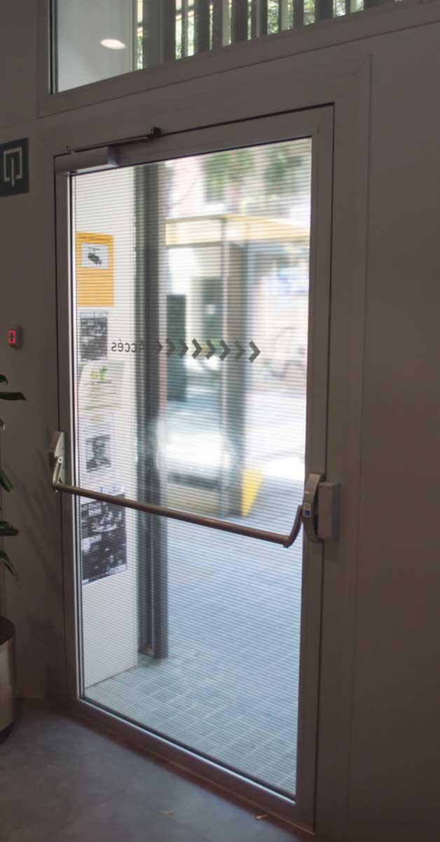 Tancaments Exteriors Del Nou Equipament Social De Barcelona