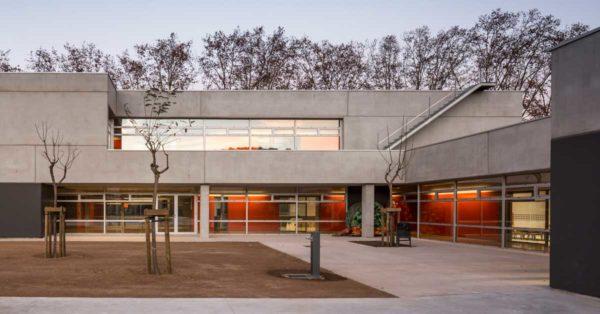 Enclosures In The New Lliçà De Vall School Centre