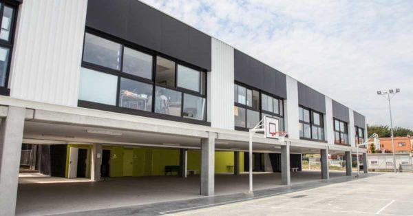 Enclosures For The New Caldes De Malavella School