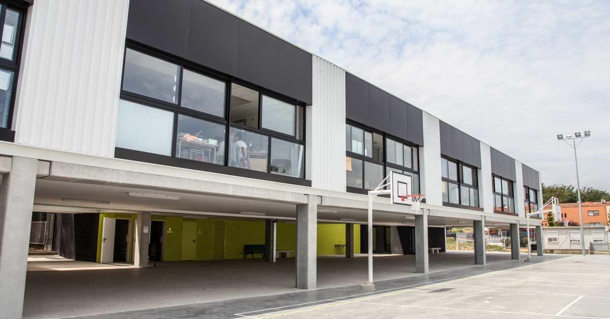 Fermetures Pour Nouvelle école à Caldes De Malavella