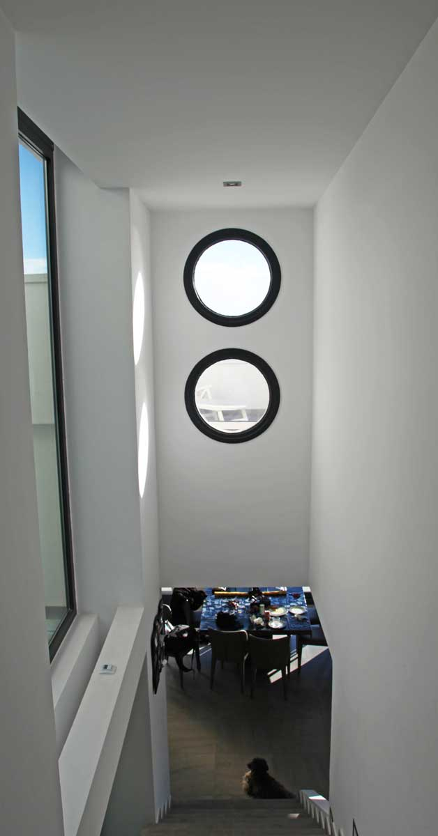 Cerramientos De Aluminio Y Vidrio En Vivienda Unifamiliar En Castelldefels
