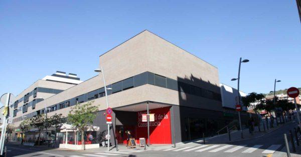 Enclosures And Glazing For The Constitució De Viladecans Municipal Marketplace