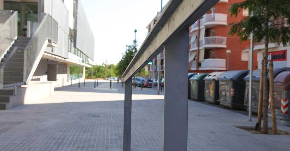 Tancaments I Murs Cortina D'aquest Nou Complex Esportiu A Viladecans