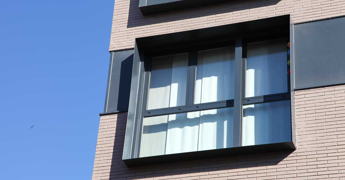 Tancaments D'alumini I Vidrieria En Promoció D'habitatges A Viladecans
