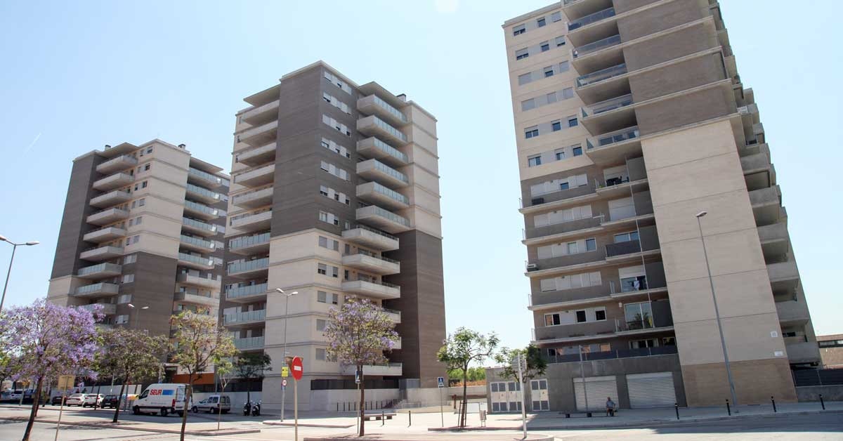 Enclosures for 103 residences in Sant Joan Despí