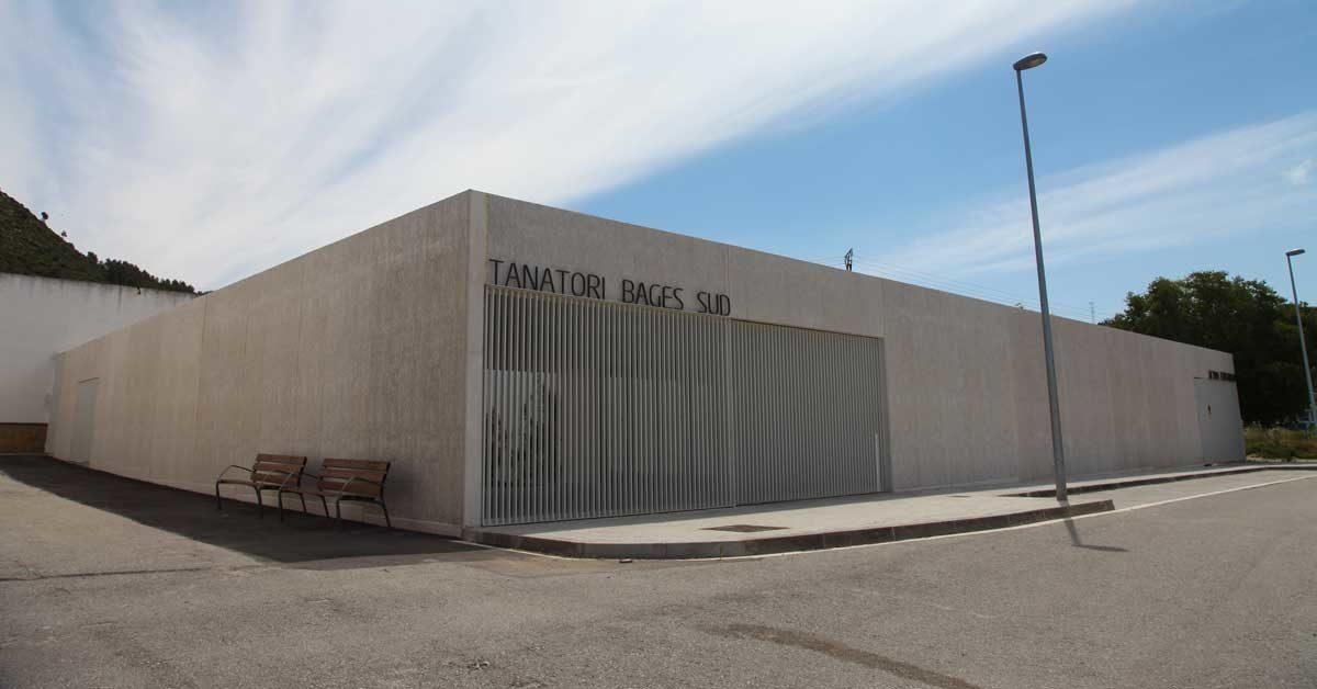 Fermetures En Aluminium Et Lucarnes Pour Nouveau Bâtiment à Sant Vicenç De Castellet