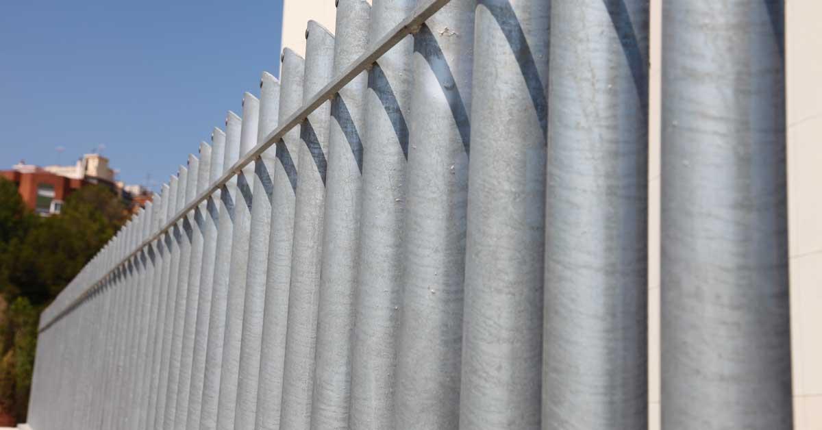 Tancaments D'alumini, Mur Cortina, Lluernes I Mampares D'aquest Nou Equipament