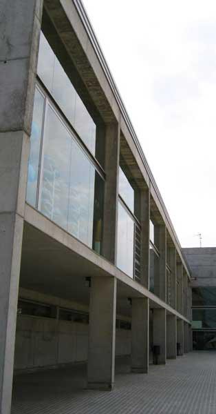 Arquitectura En Alumini I Vidre Del Centre Municipal D'esports Sot De Les GranotesArquitectura En Alumini I Vidre Del Centre Municipal D'esports Sot De Les Granotes
