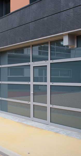 Tancaments I Revestiment De Façana D'aquest Equipament Municipal De Gavà