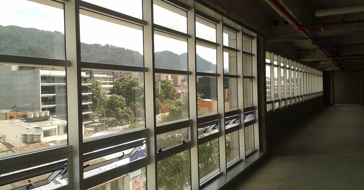 Més De 1.400 Metres Quadrats De Mur Cortina De Tapeta Horitzontal Tipus Ala D'avió