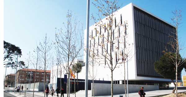 Aluminium and glazing works at the new central police station at Campo de Tarragona