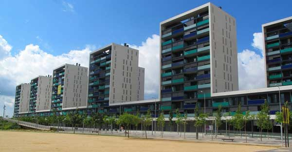 Interior And Exterior Enclosures And Glazing Works In 10 Blocks Of Apartments In Viladecans