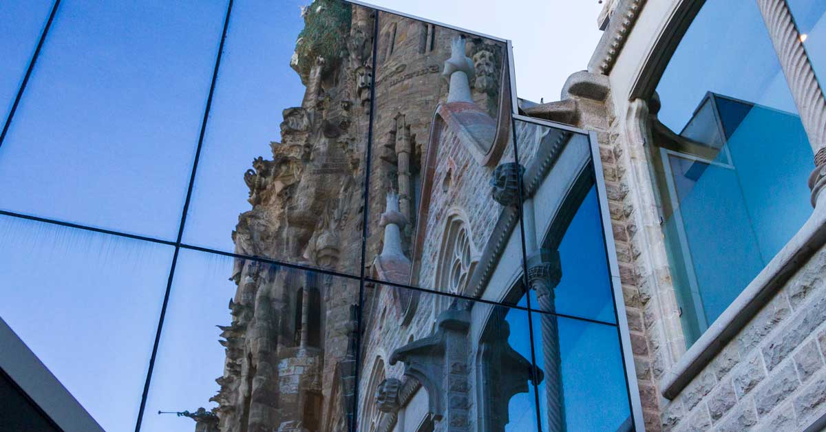 Fabricació I Instal·lació De Tancaments, Mur Cortina I Revestiment De Façana