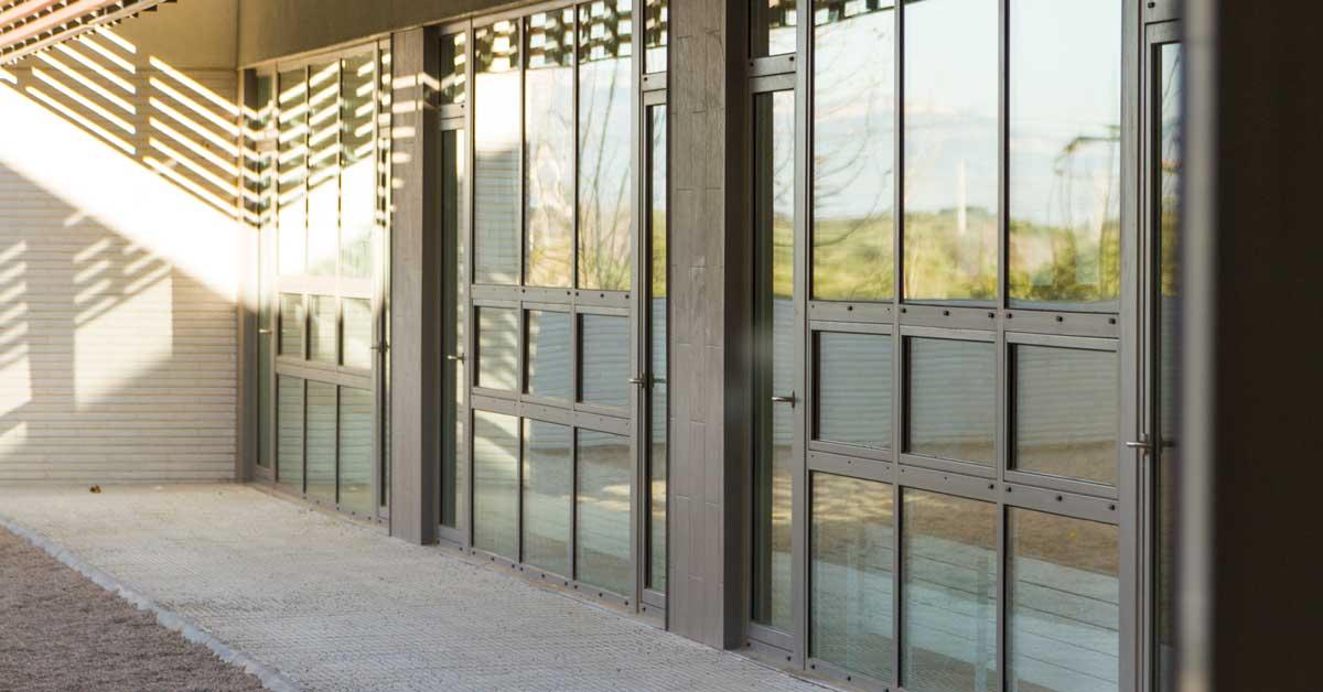 Treballs De Vidre I Tancaments En Aquest Nou Centre De Formació A Salou