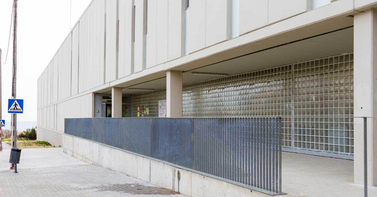 Fabricació I Instal·lació Dels Tancaments Del Nou Centre Educatiu De Mataró