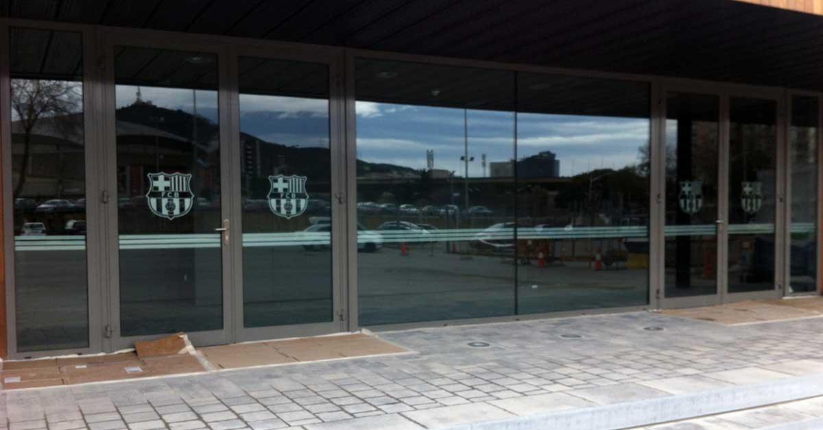 Revêtement de façades et fermetures pour le nouvel espace social du Barça