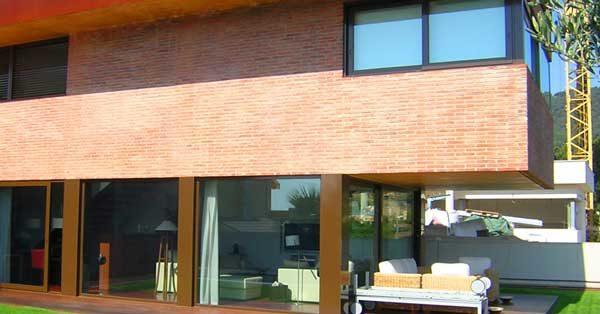 Arquitectura En Alumini I Vidre En Habitatge Unifamiliar