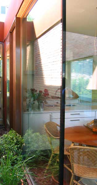 Arquitectura En Aluminio Y Vidrio En Vivienda Unifamiliar
