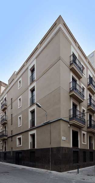 Rehabilitació De Conjunt D'habitatges En Edifici Històric De Barcelona