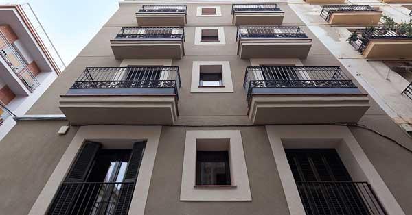 Rehabilitación de conjunto de viviendas en edificio histórico de Barcelona