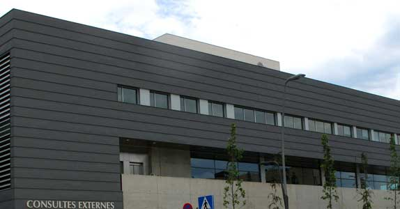 Fabricació I Instal·lació De 6 Murs Cortina I Les 500 Finestresdel Nou Hospital General