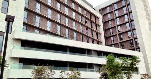 Tancaments En Alumini I Vidre Del Nou Equipament Del Grup SB Hotels A L'Hospitalet