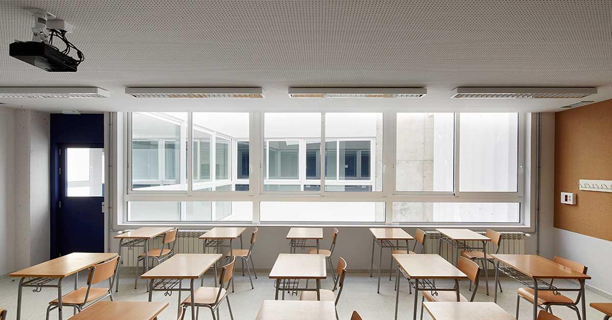 Tancaments D'alumini Del Noucentre Educatiu De Sant Vicenç De Montalt
