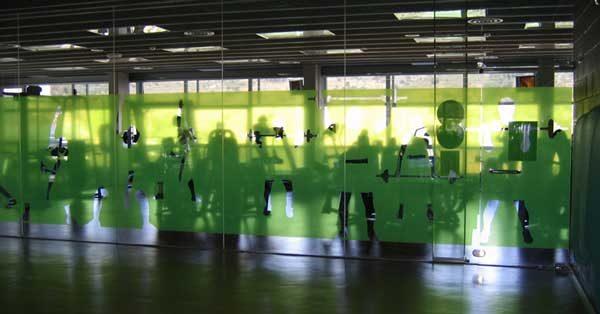 Architecture En Aluminium Pour Le Centre De Sports Municipal Jordi Marí De Tiana