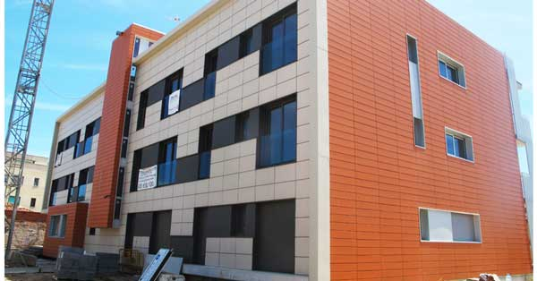 Aluminium joinery works in the residential complex in Castelldefels