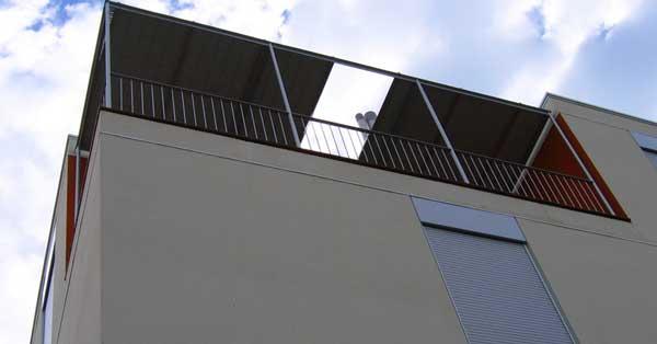Treballs De Fusteria D'alumini En Promoció D'habitatge Públic