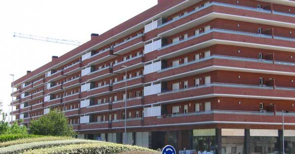 Aluminium Joinery And Glazing Works In A Residential Complex In The East Sector Of Viladecans