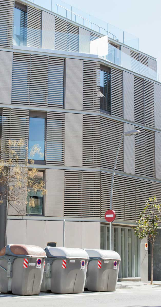 Tancaments En Promoció Residencial Al Barri De Sarrià - Sant Gervasi De Barcelona
