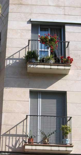 Finestres I Balconeres D'alumini D'aquest Conjunt Residencial De GavàFinestres I Balconeres D'alumini D'aquest Conjunt Residencial De Gavà