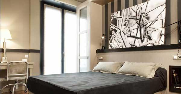 Treballs De Vidrieria I Alumini En Conjunt Residencial De Primer Nivell A Barcelona