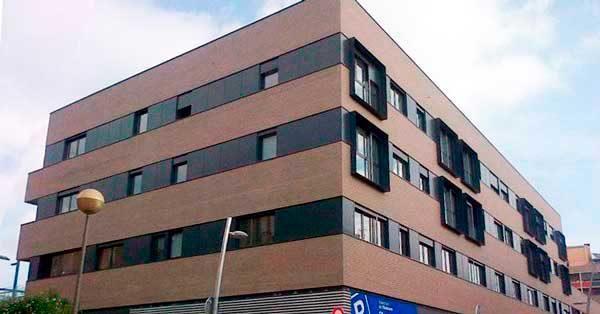 Glazed Aluminium Enclosures In The Viadecans Housing Development.