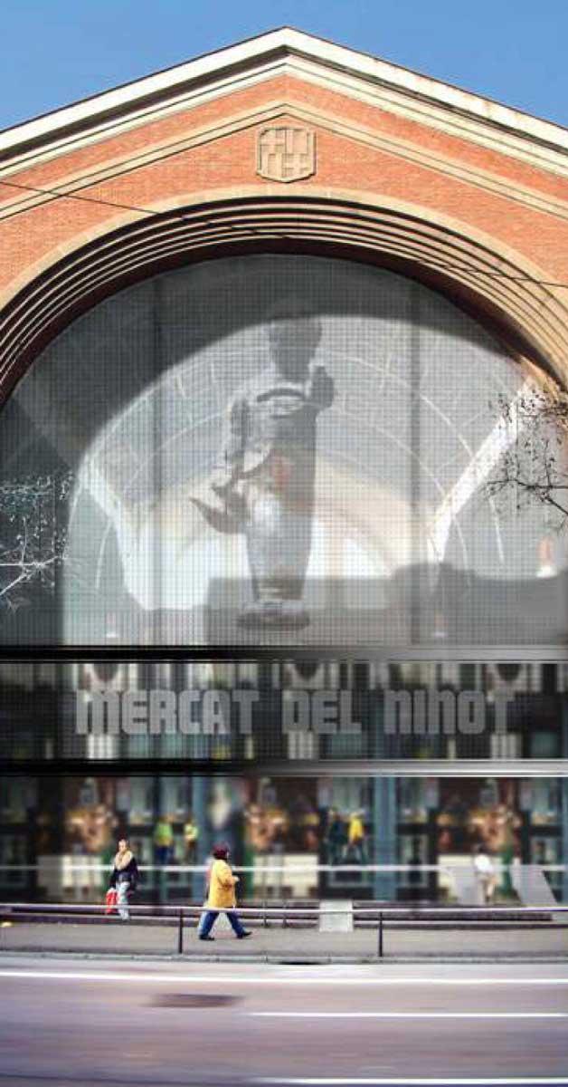 Fachada Y Cerramientos Exteriores De Este Emblemàtico Mercado De Barcelona