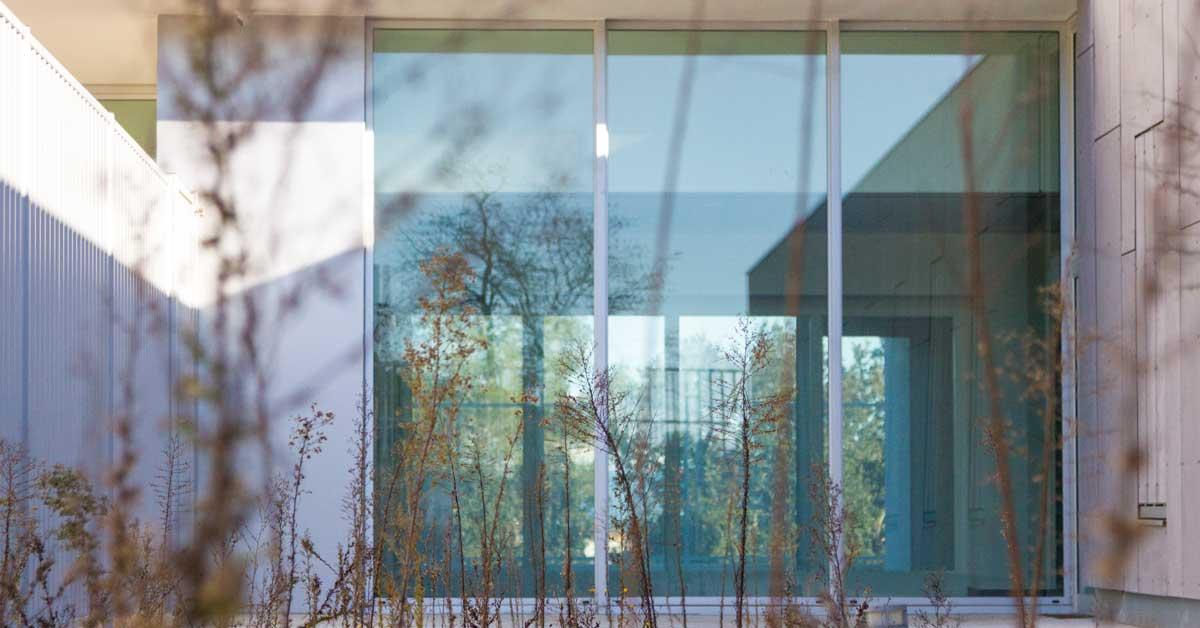 Tancaments D'alumini I Vidrieria En Residència Públicaa Vallvidrera