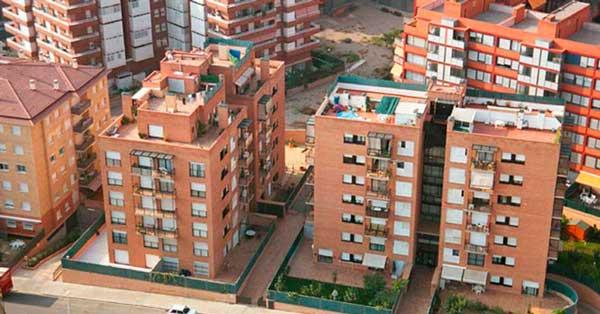 Tancaments interiors i exteriors en aquesta promoció de 200 habitatges