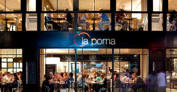 Aluminium enclosures and glazing works in a central Barcelona restaurant