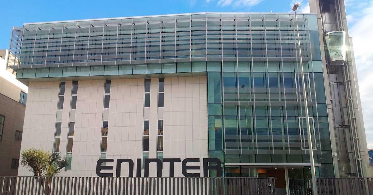 Architecture extérieure et fermetures pour Eninter à Cornellà de Llobregat