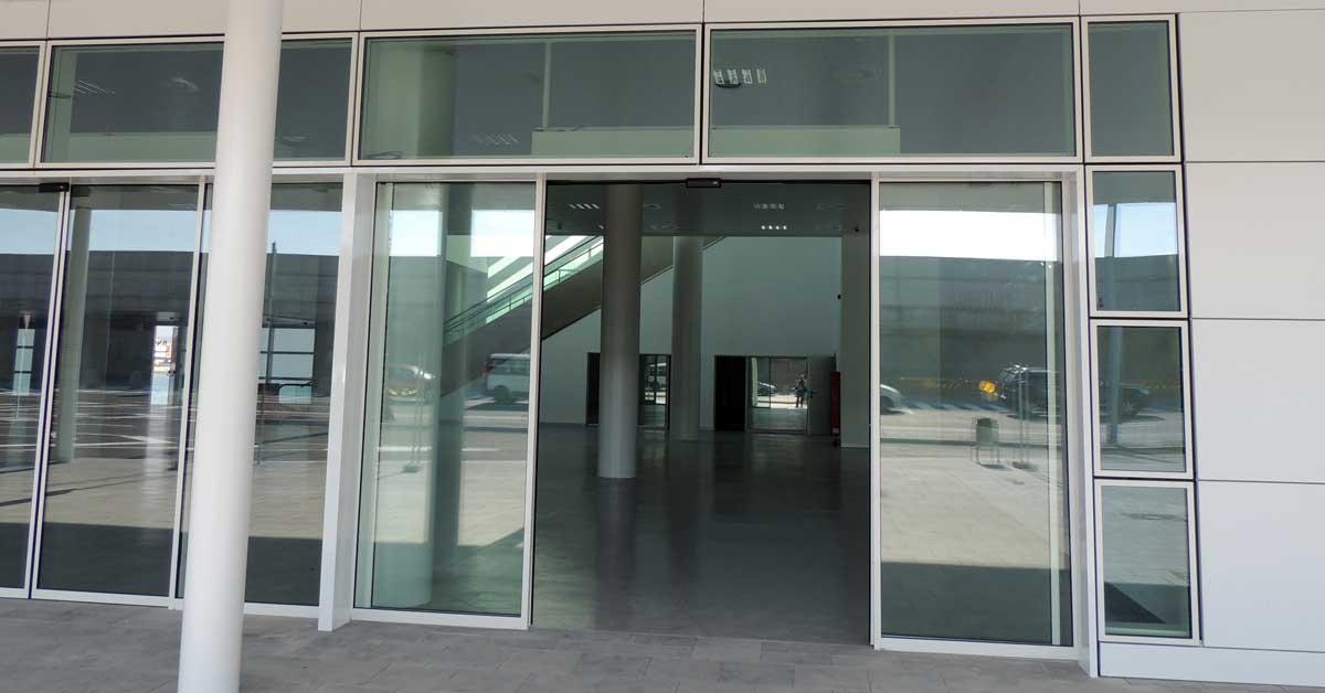 Alumini, Vidrieria I Xapats De La Nova Terminal Del Port De Barcelona