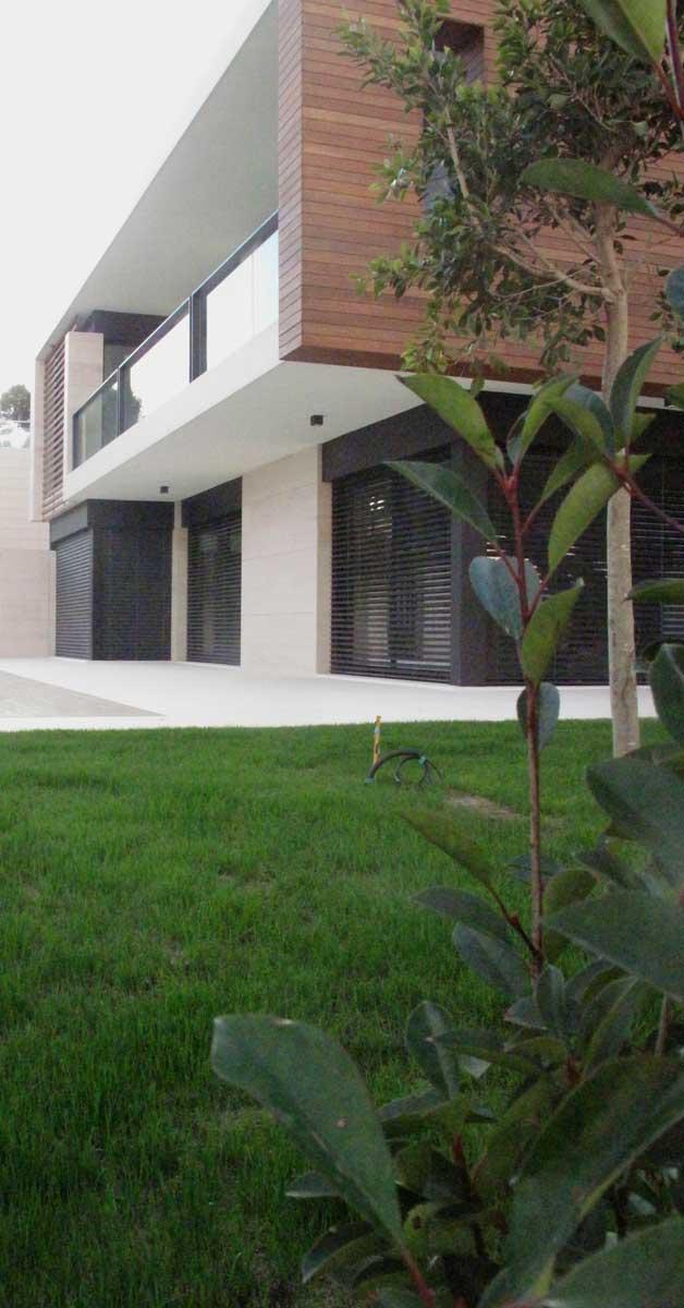 Trabajos De Carpintería De Aluminio Y Vidrio En Vivienda Residencial